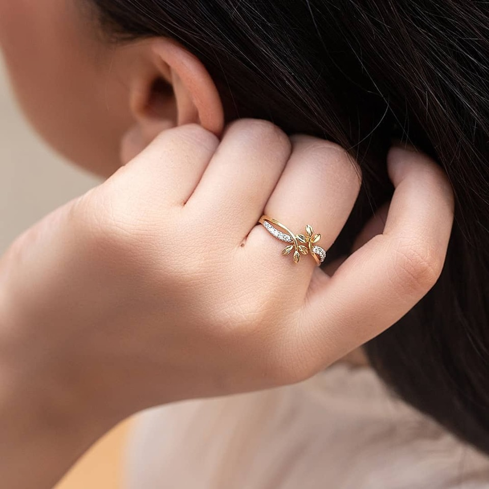 Beauty of the Swerve Fern Ring