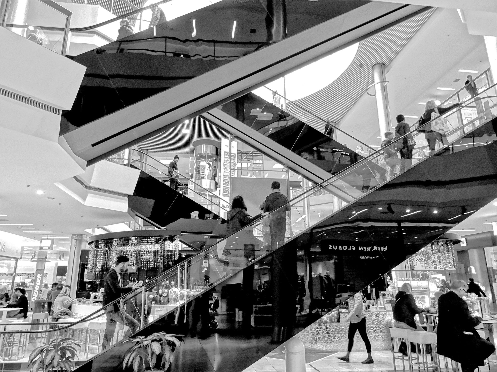 Top 8 things to do in shopping malls